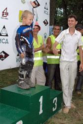 Четырехлетний мотоциклист стал чемпионом