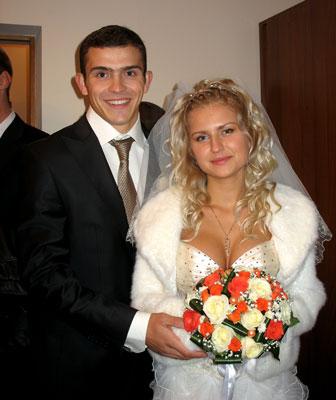 http://inform.lookmy.info/portal/4nAlbum/album/2275/velo/krivcov/KrivtsovSvadba.jpg