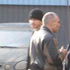 Главарь банды Нифонтов приезжает в суд на мерседесе и давит на журналистов и потерпевших (ФОТО)